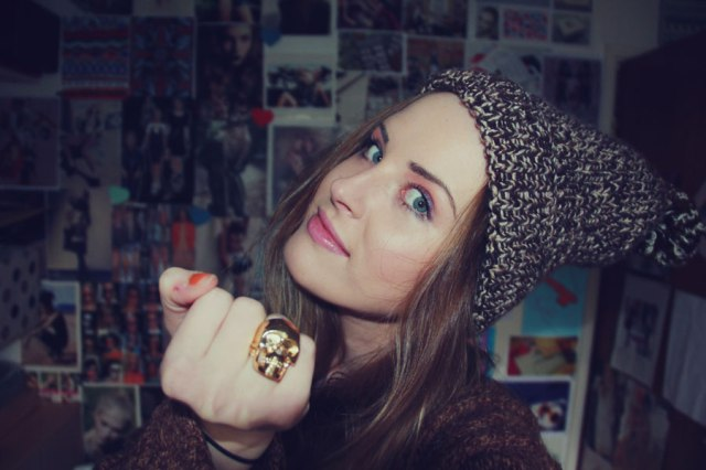 VASARENAR-TOPSHOP-RING-skull-gold-fashion-hat-make-up-girl-art-design-artist-hipster-trend-style-
