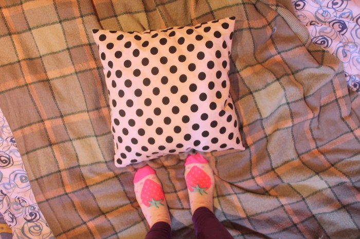 pillow-pola-dot-design-art-inspiration-cool-living-lifestyle