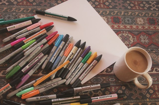 drawing-illustration-pattern-work-in-progress-freelance-artist-vilnius-dezainere-sharpies-coffee-workspace-lifestyle-aztec-tribal-promarkers-vasarenar-