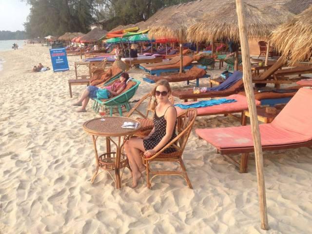 drawing-at-the-beach-vasare-nar-