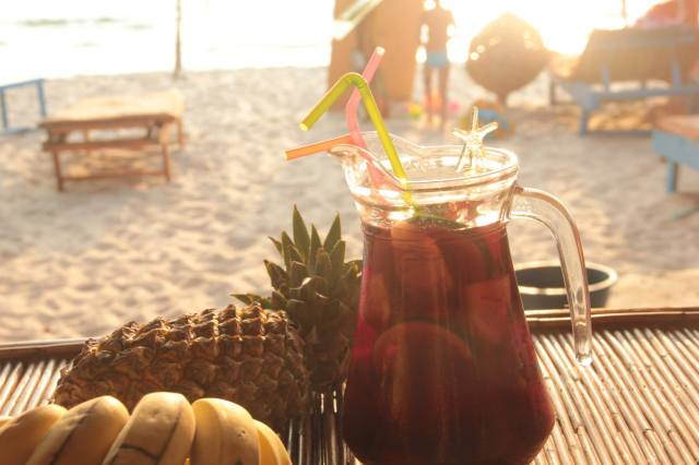 perfect sangria recipe fruit drink bech summer