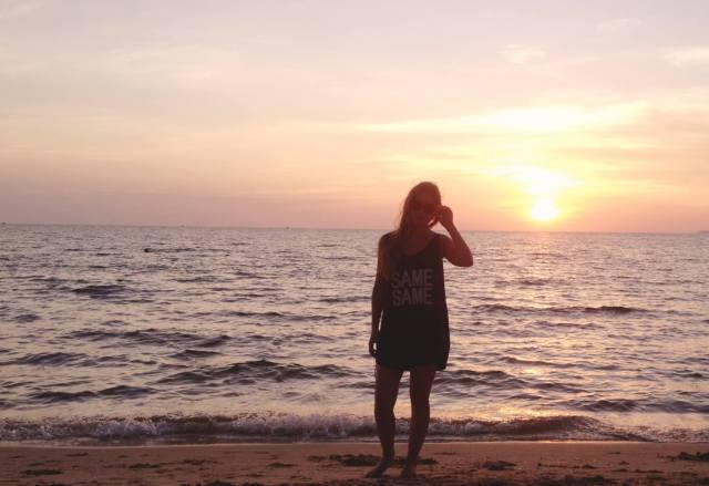 SUNSET BEACH vasare nar sihanoukville cambodia travelling